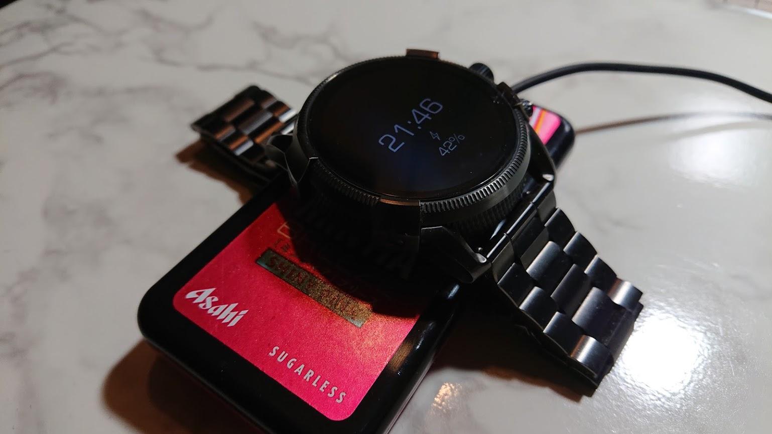Diselのスマートウォッチを充電